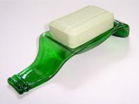 Стеклянная мыльница из пивной бутылки