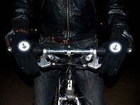 Носки и перчатки со светоотражателями для велосипедистов