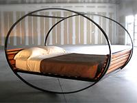 Необычная кровать качалка
