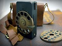 Современный смартфон в стиле стимпанк