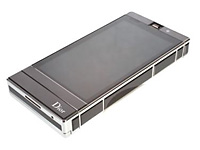 Модный сенсорный телефон от Dior