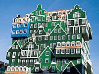 Архитектурная фантазия Inntel Hotel