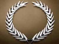 Для Caesars Entertainment изготовлен логотип из ножей, туфлей, жидкости и другиз объектов