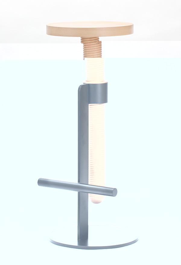 Деревянный барный стул